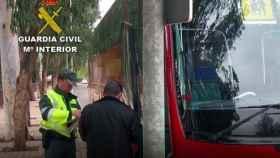 El conductor denunciado es un salmantino de 45 años que realizaba la ruta con destino al colegio público de Villamayor