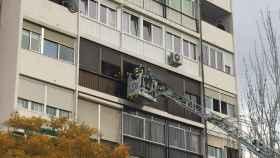 Un fallecido y 23 intoxicados leves en un incendio de una vivienda en Madrid