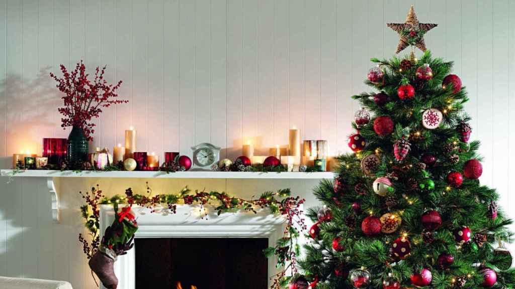 El árbol de Navidad es la estrella de la casa en estas fechas.