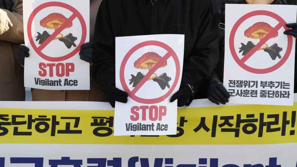 Imagen de las protestas por las maniobras bélicas en Corea del Sur.
