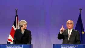 May y Juncker, durante su rueda de prensa conjunta