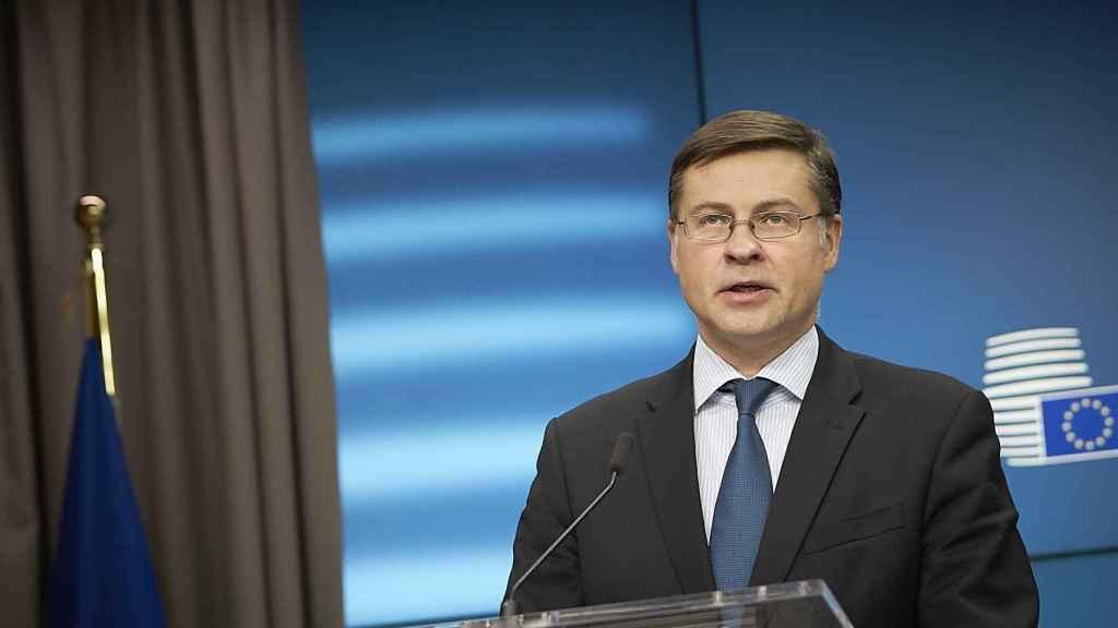 El vicepresidente Dombrovskis, durante la rueda de prensa del Ecofin