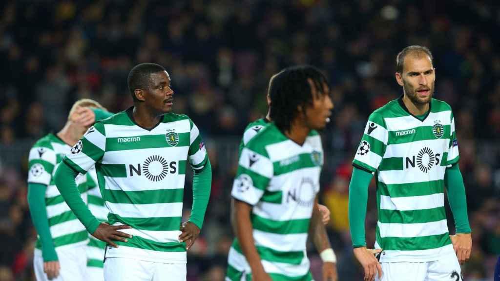 Los jugadores del Sporting cabizbajos. Jugarán la Europa League.