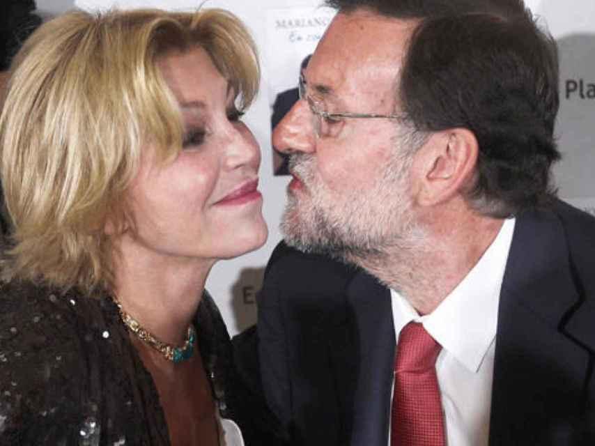 Carmen Cervera con Mariano Rajoy.