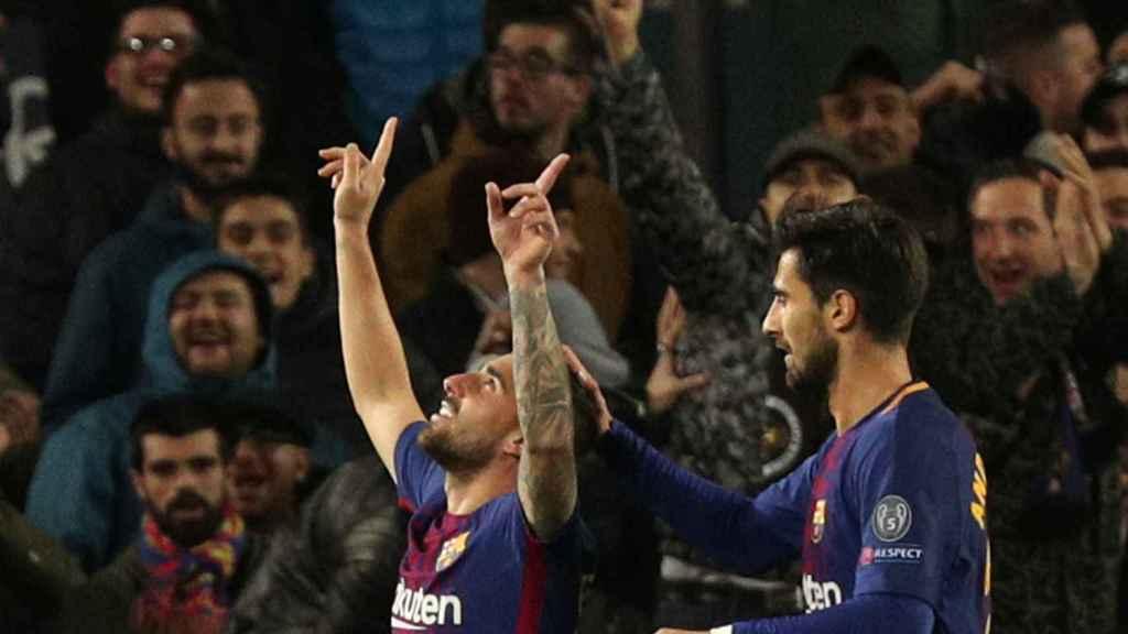 Alcácer celebra con André Gomes su gol.