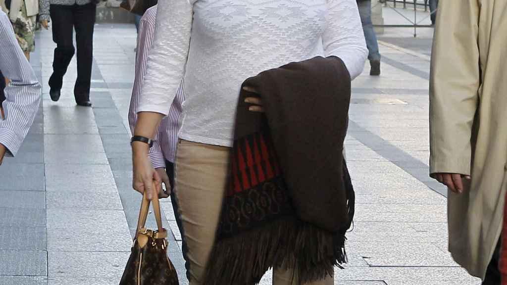 Ana Boyer por las calles de Madrid.