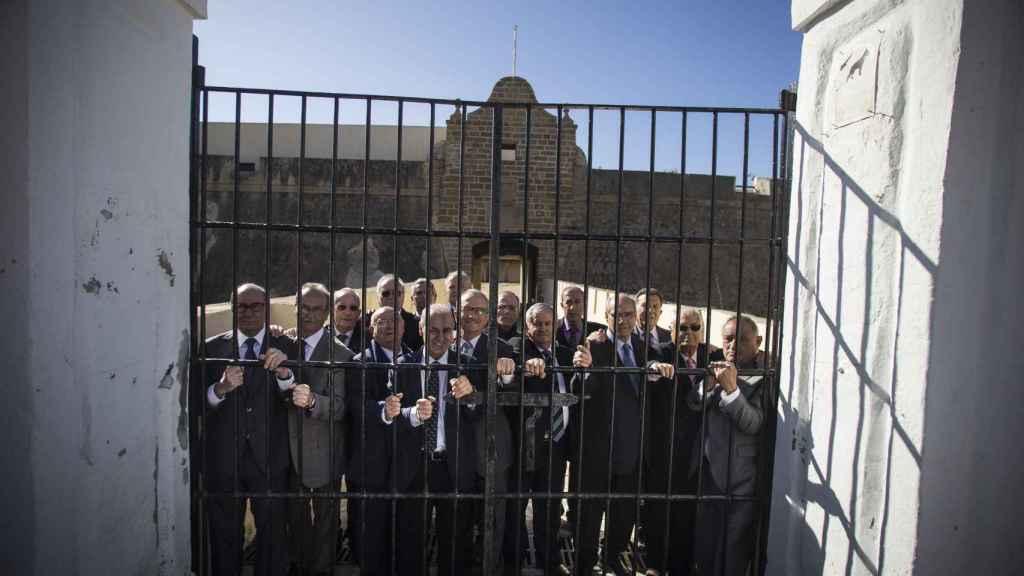 Testigos de Jehová que cumplieron condenas por insumisión al estado español en el interior del antiguo penal de Santa Catalina (Cádiz).