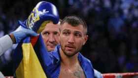 Lomachenko celebra su victoria.