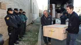 Las obras llegaron al Monasterio de Sijena escoltadas por Policía Nacional y Guardia Civil