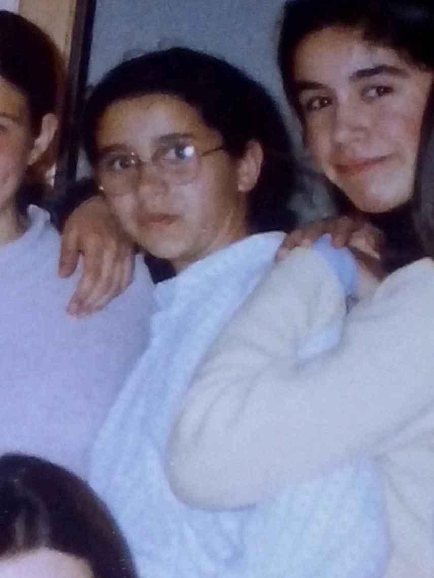 Inés Arrimadas, en el centro de la imagen, cuando aún iba al colegio.