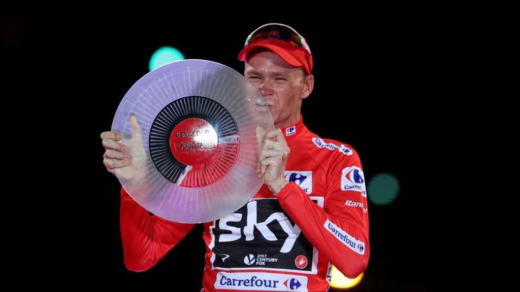 Frooome levanta el trofeo en la Vuelta a España 2017.