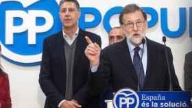 El presidente del Gobierno, Mariano Rajoy, con el líder del PPC, Xavier García Albiol.