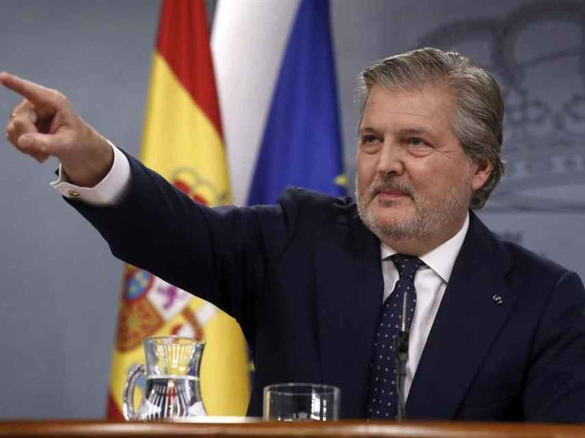 Méndez de Vigo en comparecencia como portavoz del Gobierno.