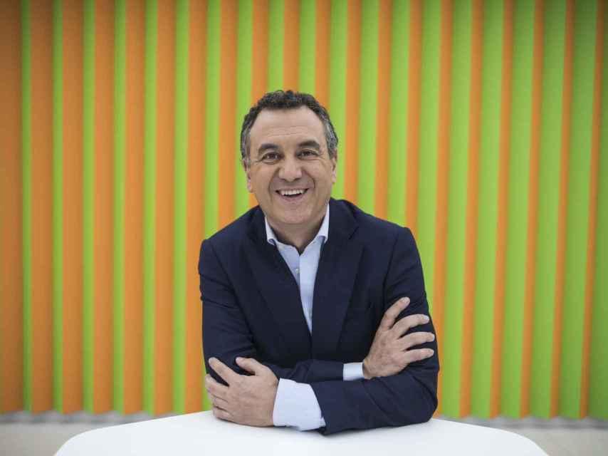 Roberto Brasero está casado y tiene cuatro hijos.