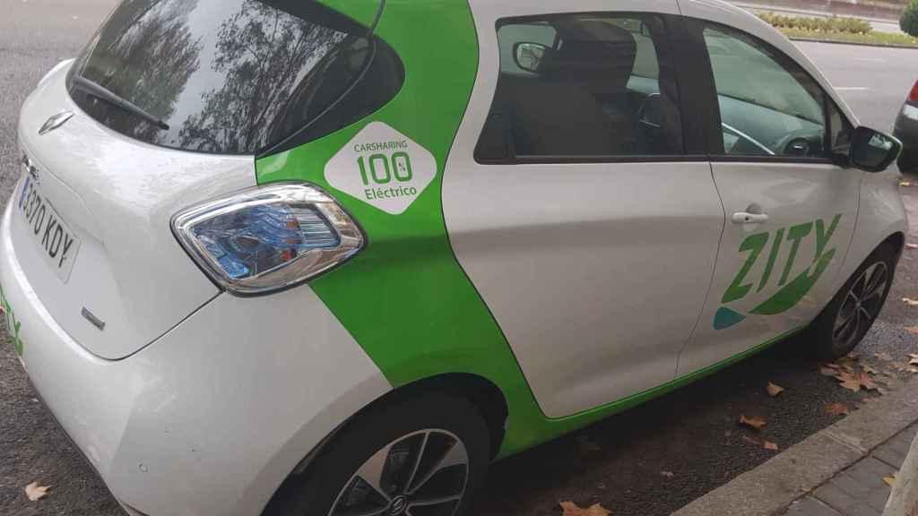 Imagen de un coche de Zity estacionado en Madrid minutos antes del lanzamiento oficial.