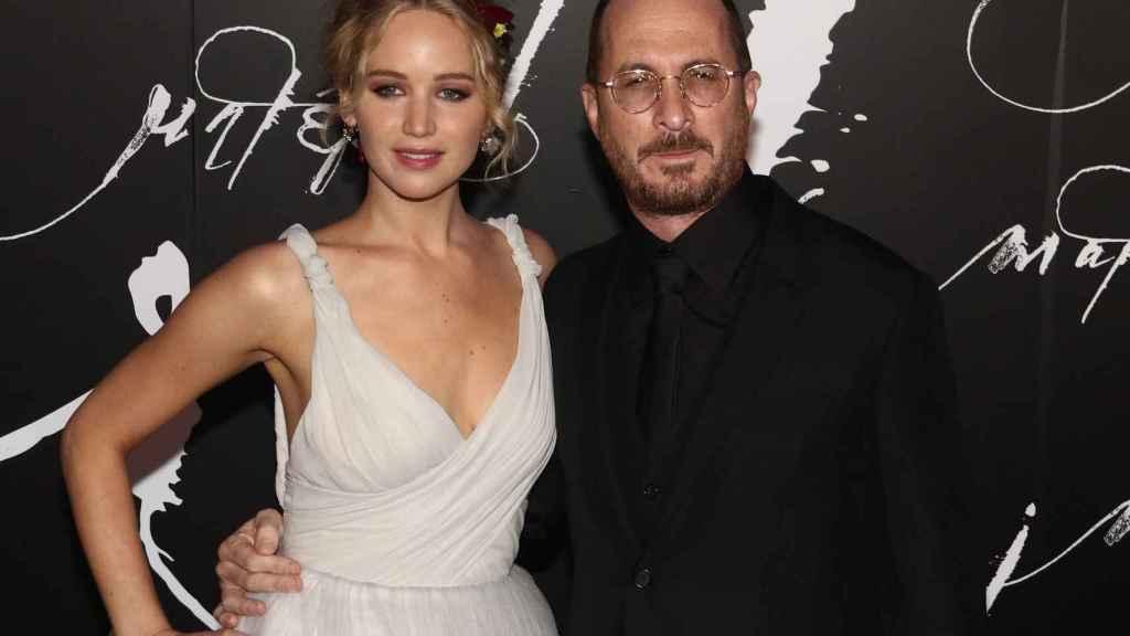 Jennifer Lawrence y Darren Aronofsky en la premier de 'Mother!'.