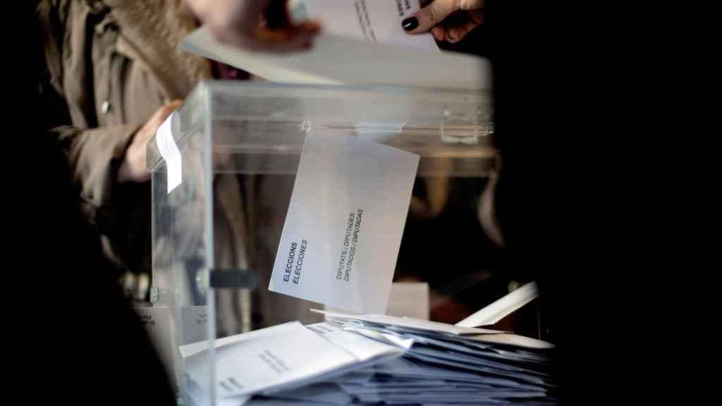 Una urna electoral en una imagen de archivo.