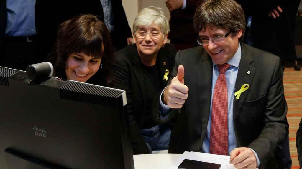 Puigdemont sigue los resultados desde Bruselas