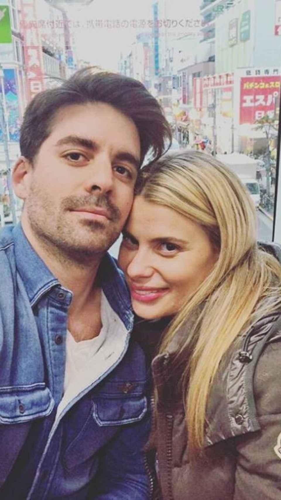 Mark Hamilton y María Lapiedra.