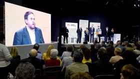 Mitin de ERC durante la campaña con un vídeo de Junqueras.