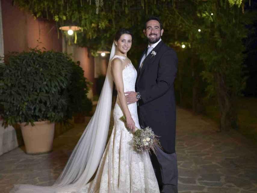Inés Arrimada con su marido Xavier Cima en su boda.