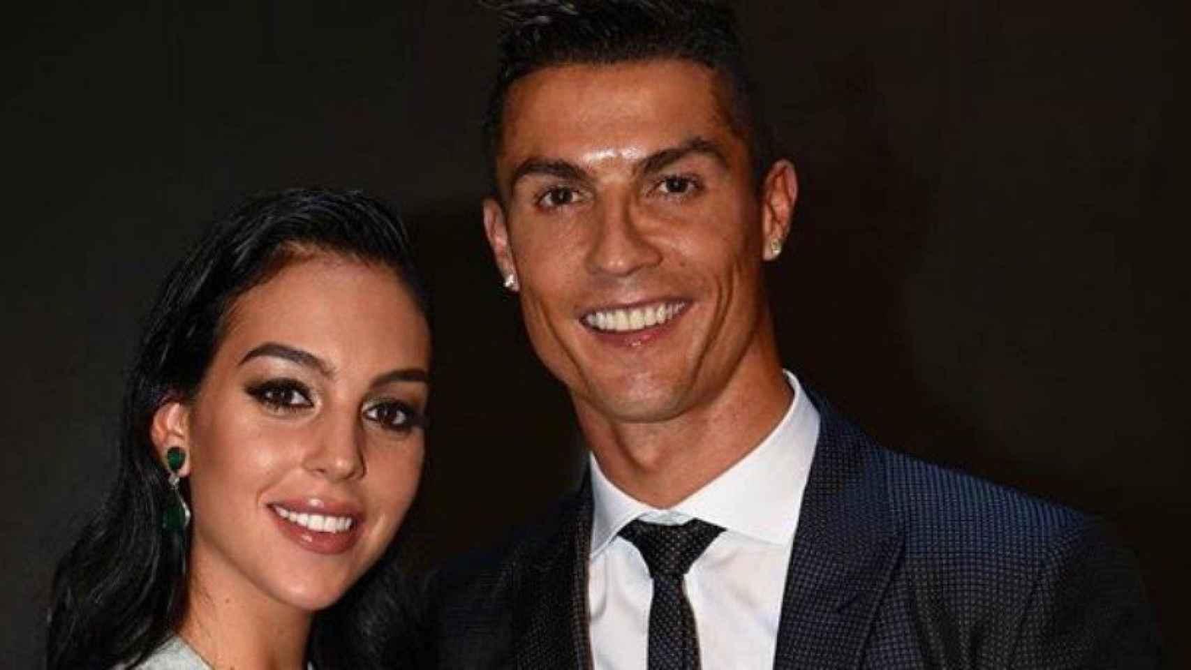 Cristiano y Georgina, en los The Best. Foto: Twitter (@Cristiano)