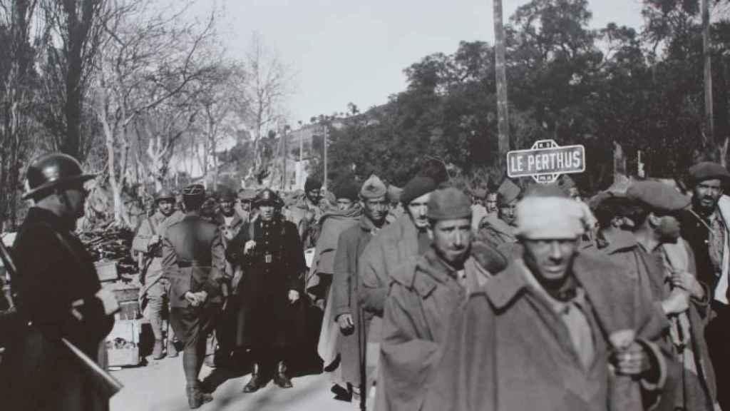 Los españoles que huían de la Guerra Civil, llegando a la localidad francesa de Le Perthus