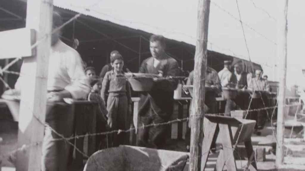Los españoles morían de hambre y por las condiciones de vida insalubres