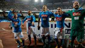 Los jugadores del Nápoles celebran la victoria.
