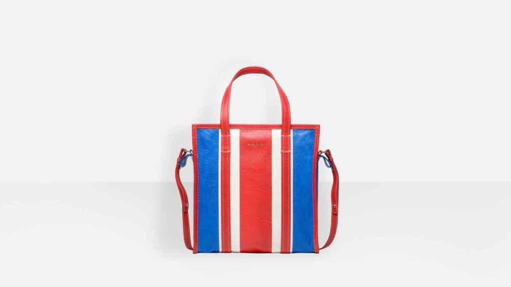 El bolso de Balenciaga.