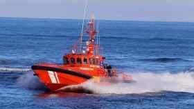 Rescatados 17 inmigrantes de una patera en cerca de Tarifa (Cádiz)