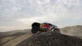 Carlos Sainz, durante la segunda etapa del Dakar.