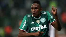 Yerry Mina, durante un partido con el Palmeiras.