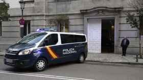 Un furgón de la Policía , a su llegada al TS donde declaran oaquim Forn, Jordi Cuixart y Jordi Sànchez