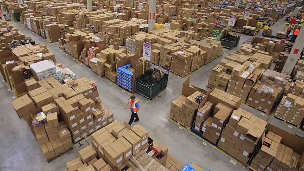 Uno de los grandes almacenes de Amazon.