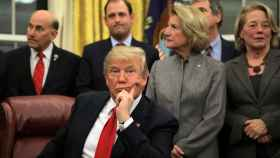 Donald Trump tras una reunión en el Despacho Oval.
