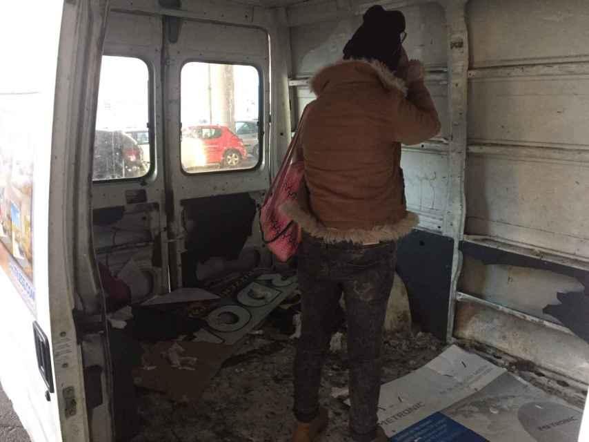 Una toxicómana va a ponerse su dosis en una furgoneta abandonada en Badalona