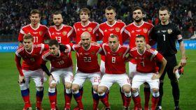 Once titular de la selección rusa de fútbol en uno de sus últimos amistosos.