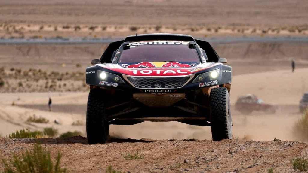 Carlos Sainz en la octava etapa del Dakar 2018.