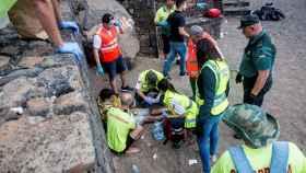 Efectivos policiales en Costa Teguise, donde siete inmigrantes magrebíes han perdido la vida.