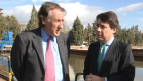 Ildefonso de Miguel e Ignacio González en la etapa que dirigía el Canal de Isabel II.