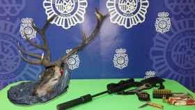 Burgos-atraco-cabeza-ciervo