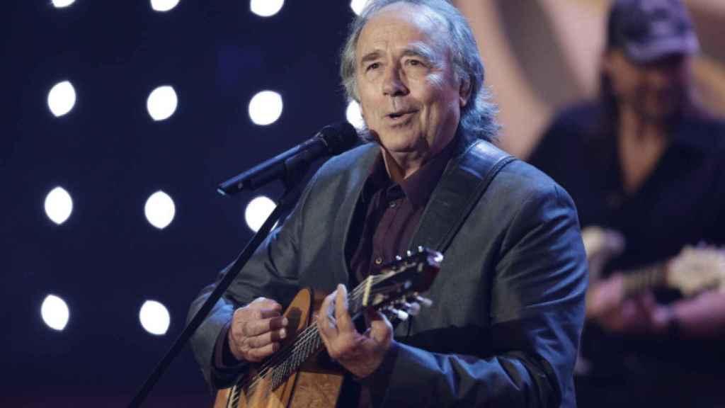 Joan Manuel Serrat durante una actuación.