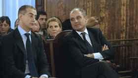 Ricardo Costa y Francisco Camps durante el juicio de 'los trajes' en Valencia.
