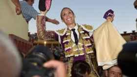 Cristina Sánchez, a hombros en su reaparición
