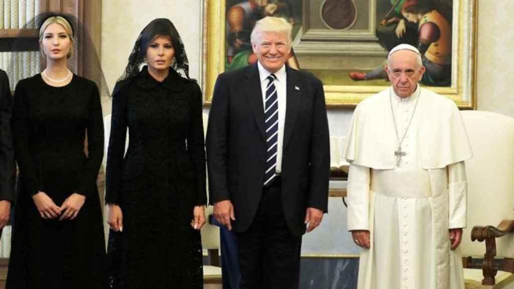 La primera dama en su visita al Vaticano.