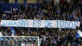 La pancarta contra Shakira en una zona de Cornellà-El Prat que se sacó hace años en un derbi.