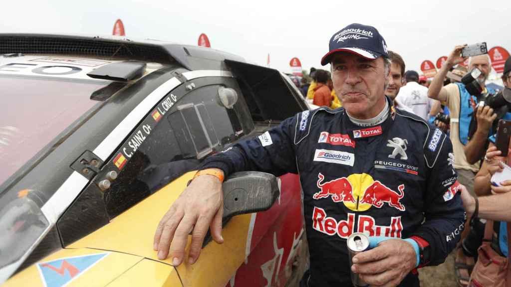 Carlos Sainz nada más conquistar su segundo Dakar.