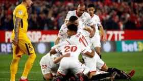 El Sevilla celebra su gol ante el Atlético en Copa del Rey.