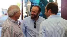 El alcalde de Almendralejo, José García Lobato (en el centro).
